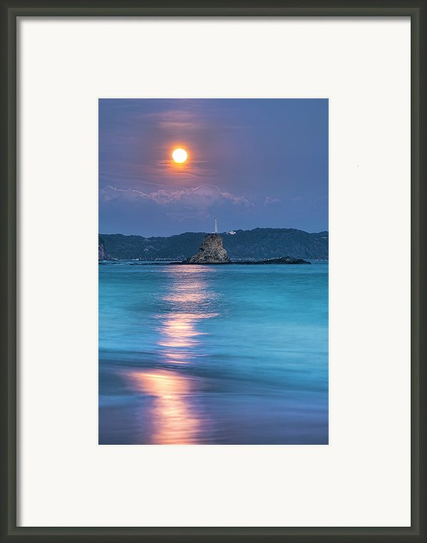 Sparkle Of Orange (full Moon) Framed Print By Tommy Tsutsui