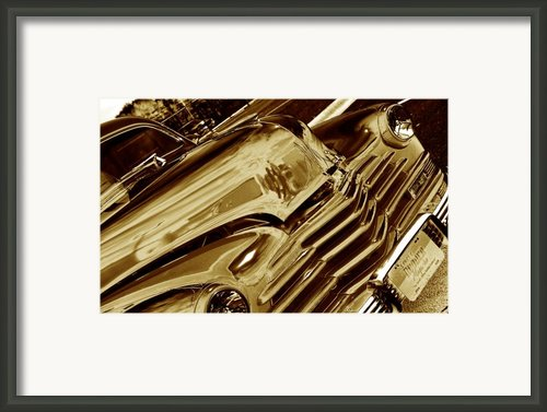 Speedy Framed Print By Susanne Van Hulst
