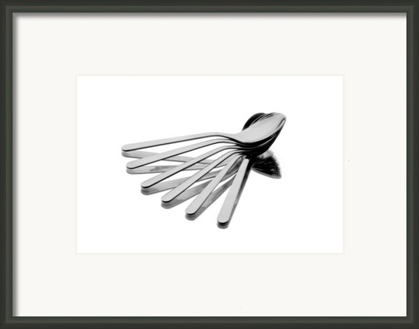 Spoon Fan Framed Print By Gert Lavsen