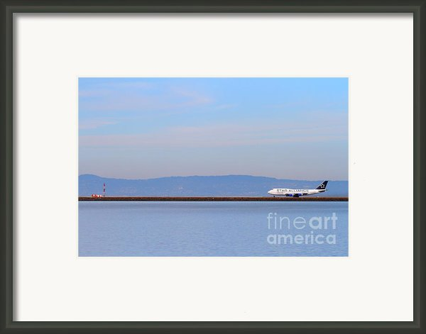 Star Alliance Airlines Jet Airplane At San Francisco International Airport Sfo . 7d12208 Framed Print By Wingsdomain Art And Photography