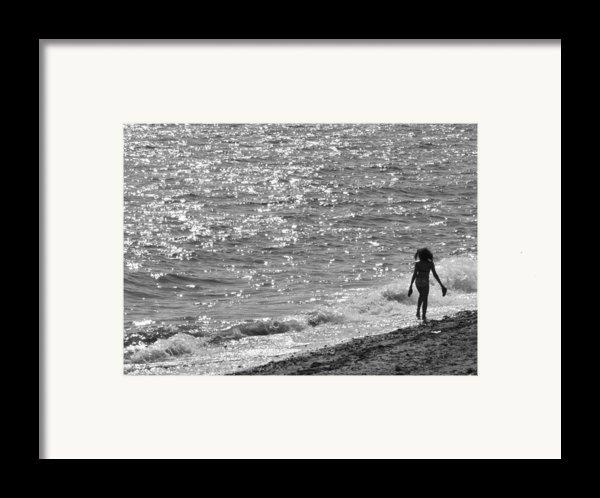 Strolling On Connecticut Beach Framed Print By Cindy Lee Longhini