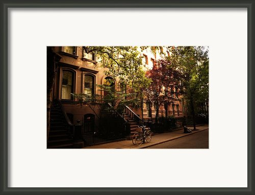 Summer In New York City - Greenwich Village Framed Print By Vivienne Gucwa