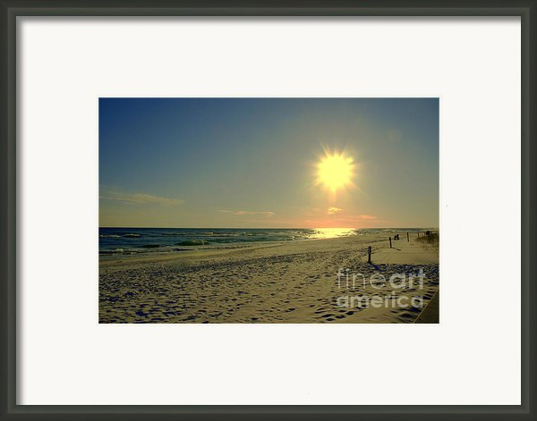 Sunburst At Henderson Beach Florida Framed Print By Susanne Van Hulst