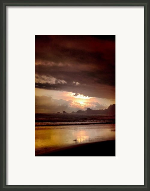 Sunset Framed Print By Mario Bennet