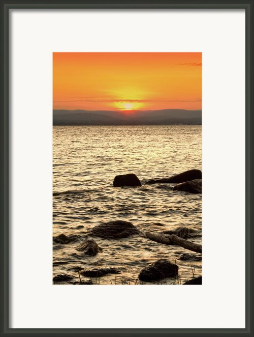 Sunset On The Beach Framed Print By Alexander Mendoza