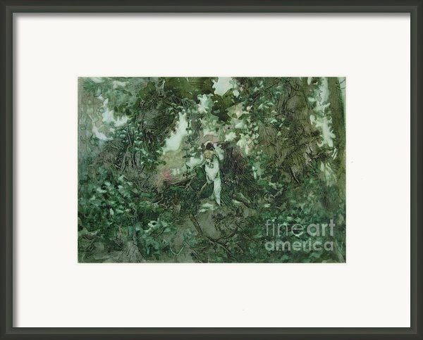 Surprised Bather Framed Print By Elizabeth Carr