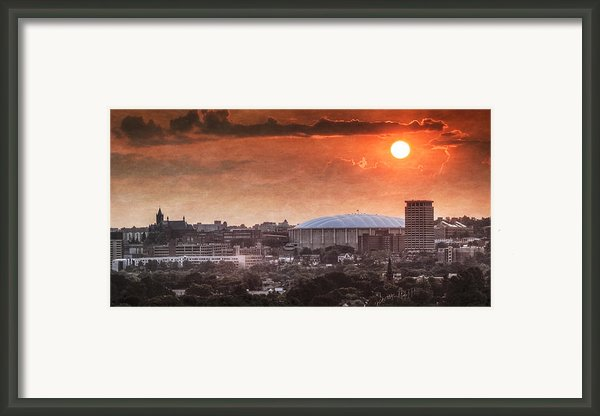 Syracuse Sunrise Over The Dome Framed Print By Everet Regal