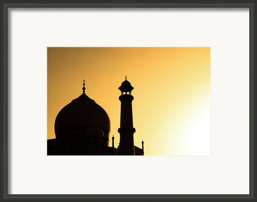 Taj Mahal At Sunset Framed Print By Kokkai Ng