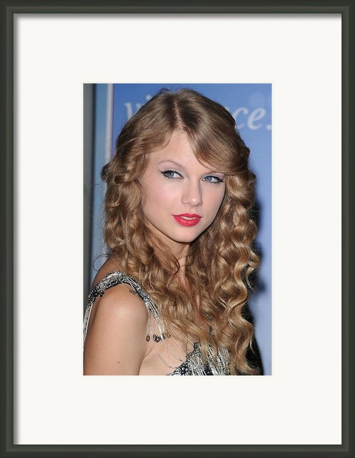 Taylor Swift At A Public Appearance Framed Print By Everett