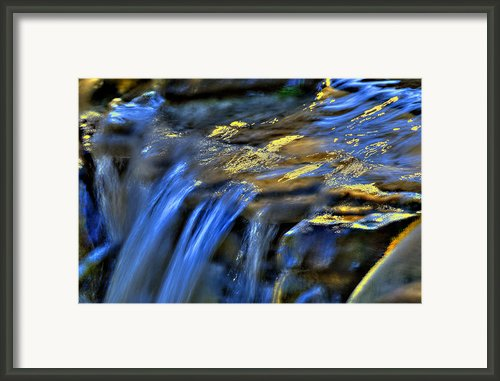 Taylor Waterfall Framed Print By David Clark