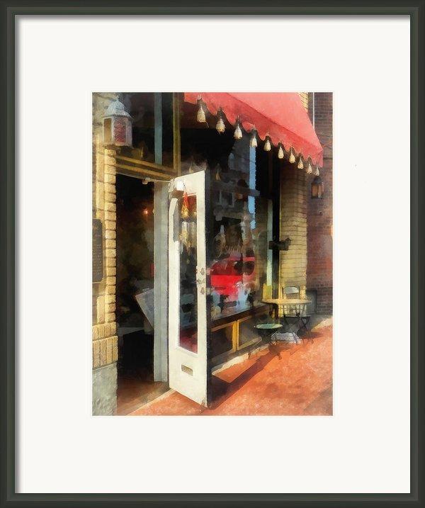 Tea Room In Sono Norwalk Ct Framed Print By Susan Savad