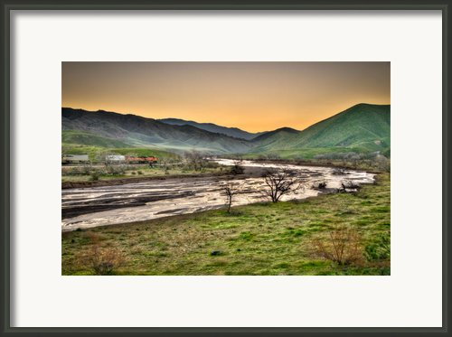Tehachapi Loop Climb Framed Print By Connie Cooper-edwards