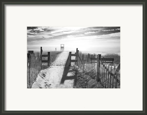 The Beach In Black And White Framed Print By Dapixara Art