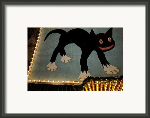 The Cat In The Alley At Tivoli Framed Print By Keenpress