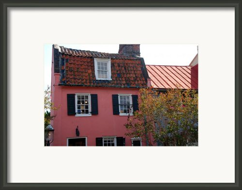 The Charm Of Charleston Sc Framed Print By Susanne Van Hulst