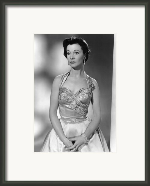 The Deep Blue Sea, Vivien Leigh, 1955 Framed Print By Everett