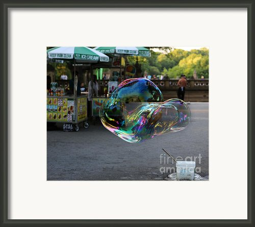 The Giant Bubble At Bethesda Terrace Framed Print By Lee Dos Santos