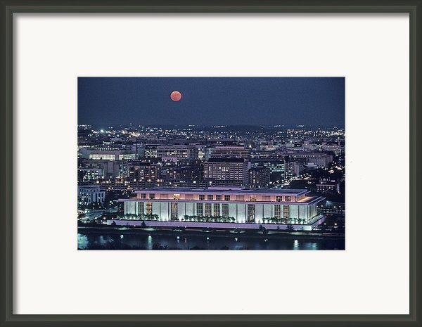 The Kennedy Center Lit Up At Night Framed Print By Kenneth Garrett
