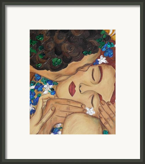 The Kiss Close Up Framed Print By Darlene Keeffe