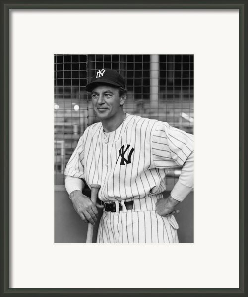 The Pride Of The Yankees, Gary Cooper Framed Print By Everett