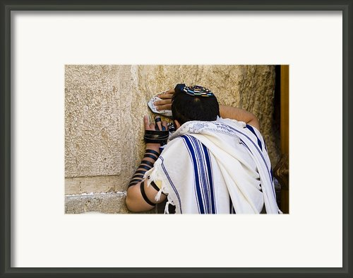 The Western Wall, Jewish Man Wearing Framed Print By Richard Nowitz