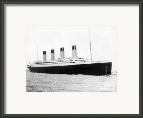 Titantic Departing Southhampton Framed Print By Stefan Kuhn