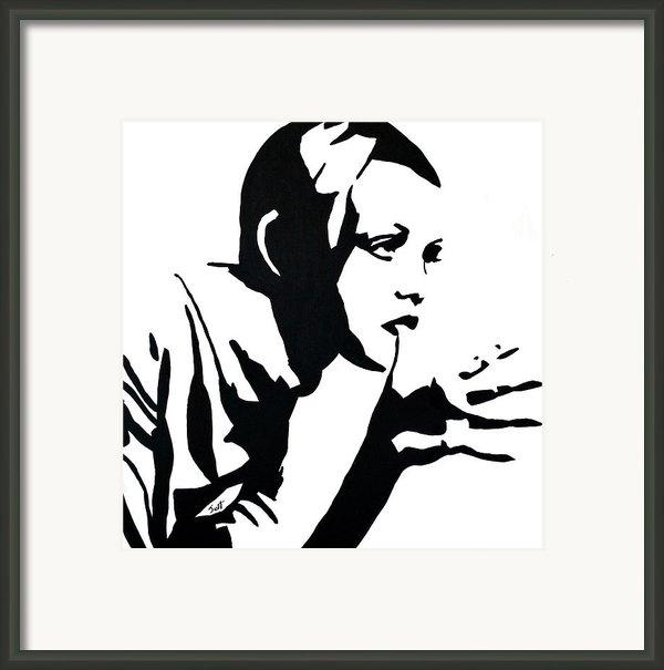 Twiggy Framed Print By Jett Vivere