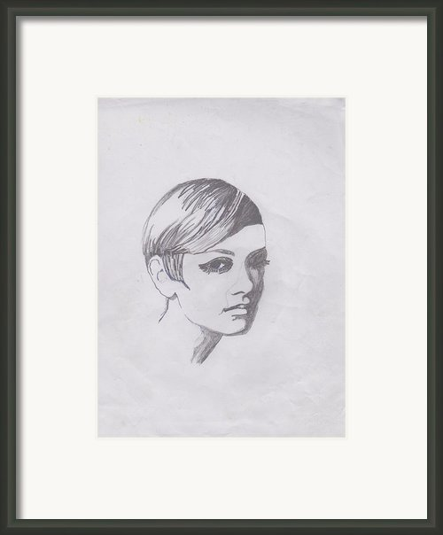 Twiggy Framed Print By Marie Hough