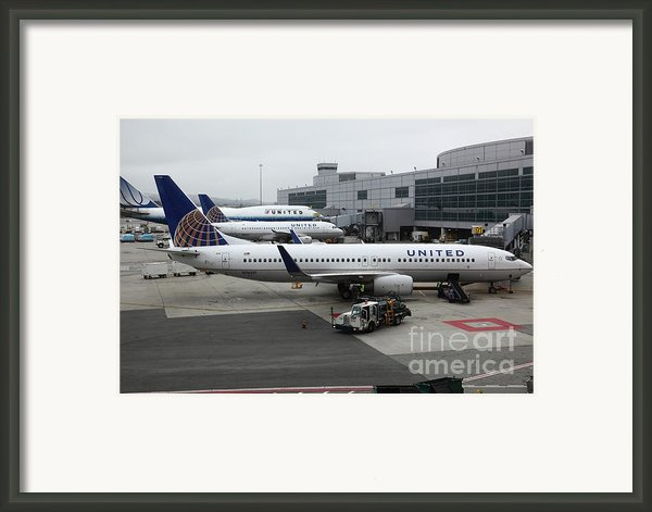 United Airlines At Foggy Sfo International Airport . 5d16937 Framed Print By Wingsdomain Art And Photography