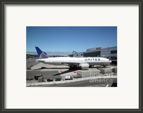 United Airlines Jet Airplane At San Francisco Sfo International Airport - 5d17107 Framed Print By Wingsdomain Art And Photography