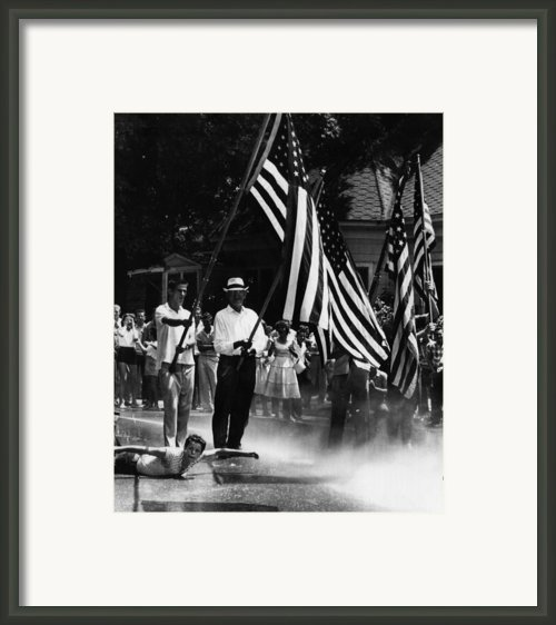 Us Civil Rights. Demonstrators Framed Print By Everett
