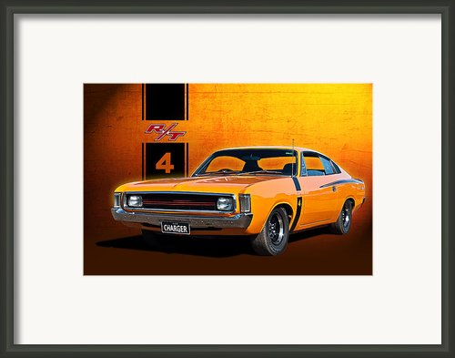 Vh Valiant Charger Framed Print By Stuart Row
