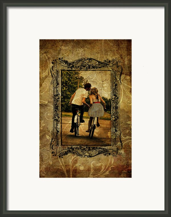 Vintage Kiss Framed Print By Emily Stauring