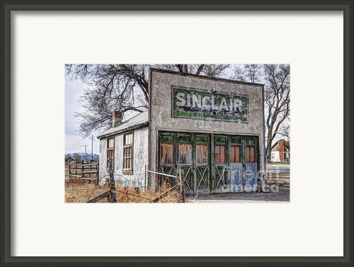 Vintage Rural Gas Station - Elberta Utah Framed Print By Gary Whitton