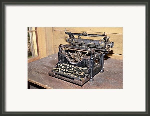 Vintage Typewriter Framed Print By Susan Leggett