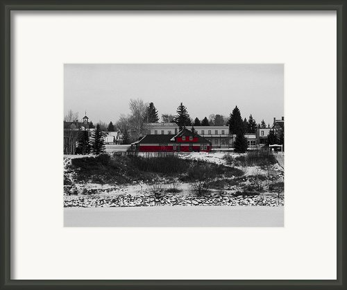 Wainwright Hotel Framed Print By Stuart Turnbull