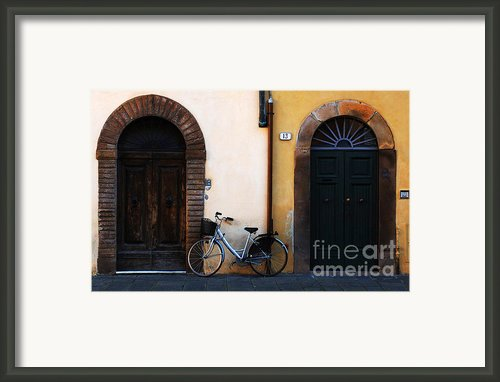 Walled City Of Lucca Framed Print By Bob Christopher