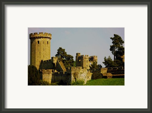 Warwick Castle Framed Print By Ian Flear