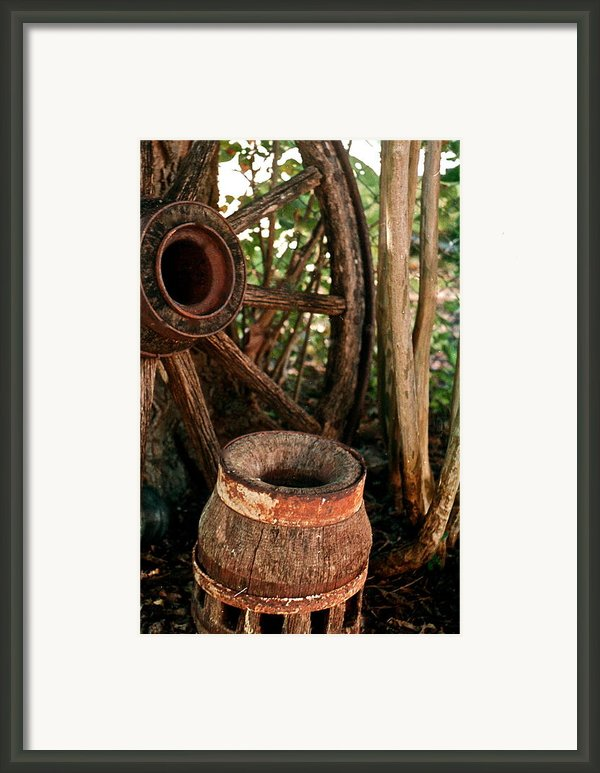 Wheel And Hub Framed Print By Frank Santagata