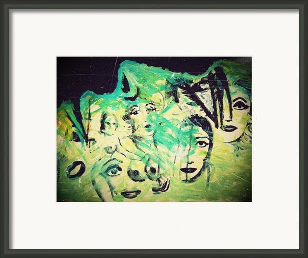 Women Framed Print By Paulo Zerbato