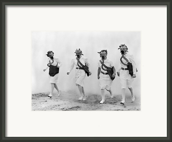 World War Ii: Nurses Framed Print By Granger
