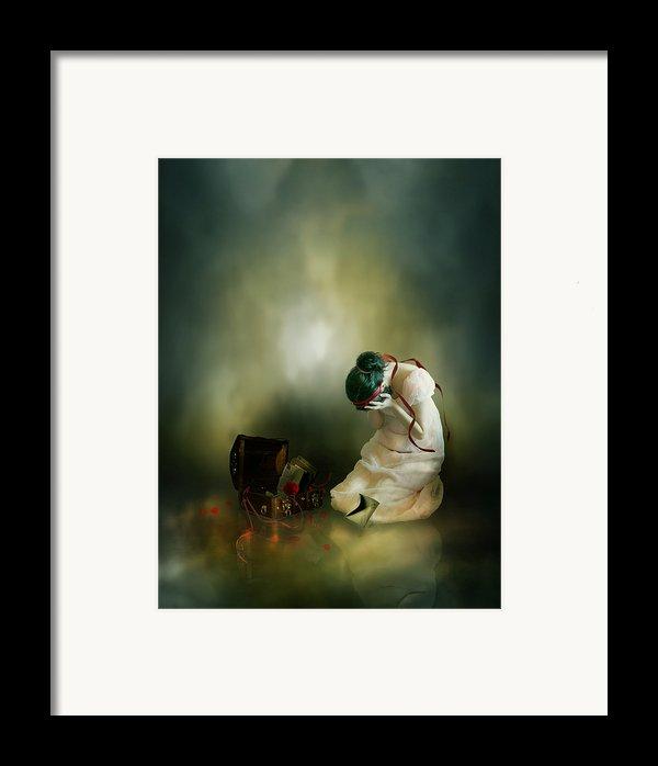 Momento Framed Print By Karen H