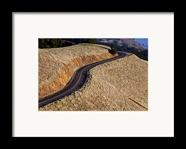 Mountain Road Framed Print By Garry Gay